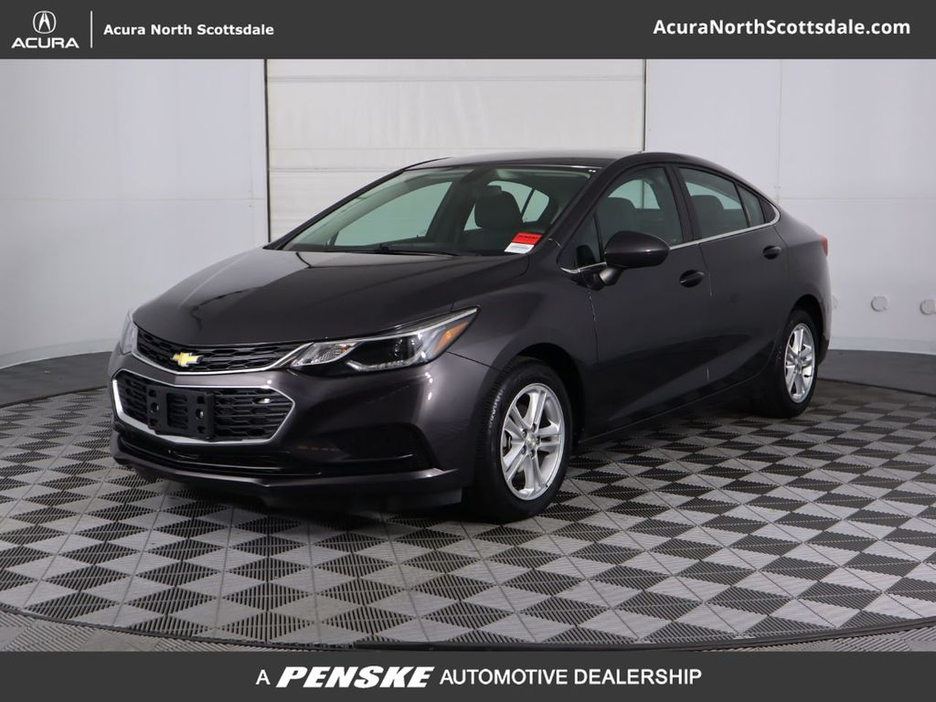 Pre-Owned 2017 Chevrolet CRUZE 4dr Sedan Automatic LT